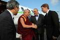 Dalajláma přiletěl na letiště Václava Havla.