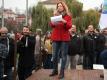 Na Klárově se sešlo pár desítek podporovatelů prezidenta, dorazil i poslanec Foldyna a hovořila Lenka Procházková.