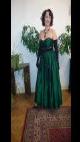 Petra Komárková ve smaragdové róbě, kterou si pořídila na ples a která došla úhony. Dvakrát.