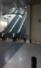 Stanice Nádraží Veleslavín ve čtvrtek 2. dubna: Eskalátory, které vedou jen z nástupiště do vestibulu, dále musíte po svých