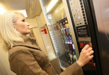 Automat na nápoje ve vlacích řady InterPanter Českých drah