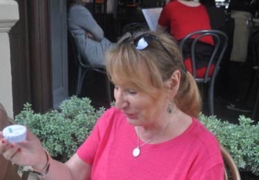 I paní v růžovém se zlepšovátko od tabákového koncernu zamlouvalo