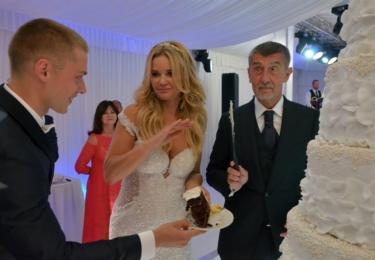 Sorry jako, svatební dort nekrájím každý den