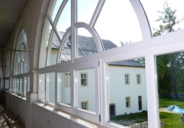 Zámek má nová okna