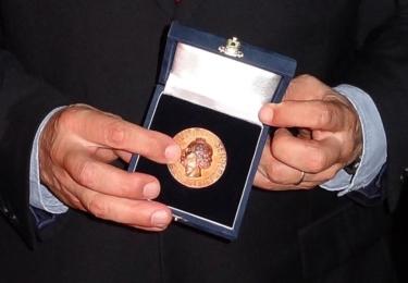 Se slavnou, prestižní Andersenovou medailí