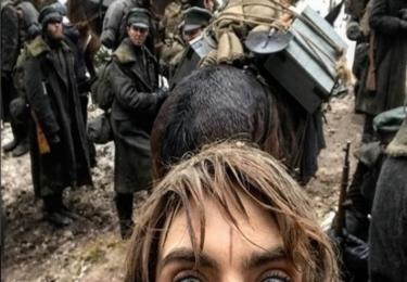 Cara Delevingne si udělala selfíčko z natáčení