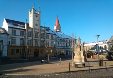 Opravené náměstí ve Mšenu