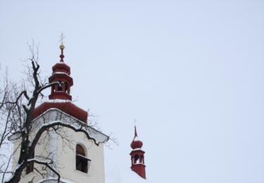 Dominantou Křečovic je kostel svatého Lukáše