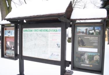 Informační tabule v Křečovicích