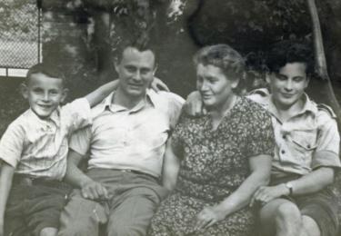 Formanovi: Miloš, Blahoslav, maminka Anna a Pavel
