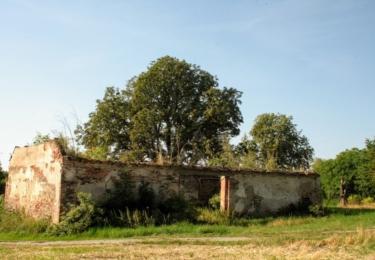 Zámek v Milholticích, údržba nemovitosti firmě skutečně nevyšla