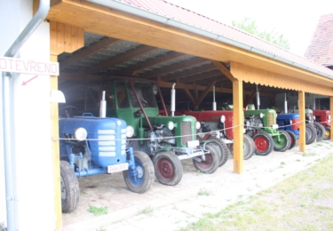 Traktory stařečci