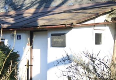 Pamětní deska na rodném domě Plevy