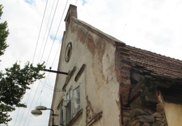 Chátrající domy v Žihli