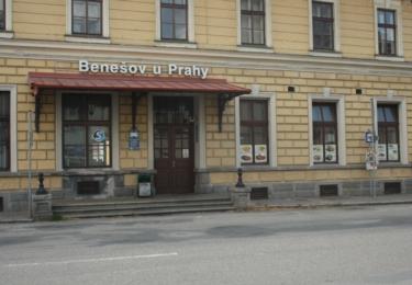 Benešovské nádraží, tady si vrah vybíral budoucí oběti