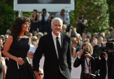 Tim Robbins se svou nynější přítelkyní, Gratielou Brancusi
