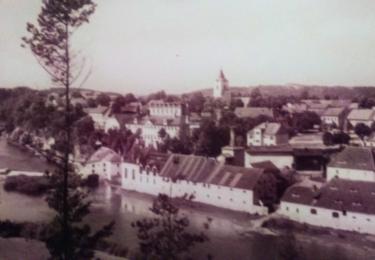 Kácov na staré pohlednici