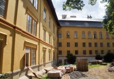 Hejtman Netolický navštívil Státní zámek Slatiňany