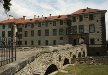 Nelahozevský zámek