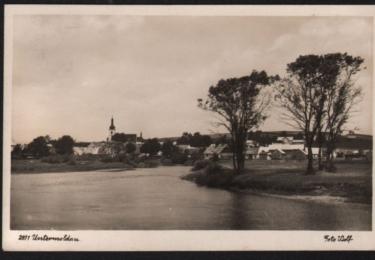Pohled na Dolní Vltavici od jihovýchodu.  (Josef Wolf, bez datace, zdroj: soukromá sbírka Jiří a Lenka Hůlkovi)