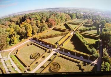 Klášterní park z muzejního filmu