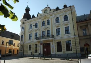 Gymnázium v Ledci