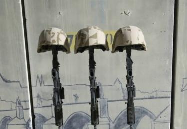 Loučení s padlými na základně v Afghánistánu