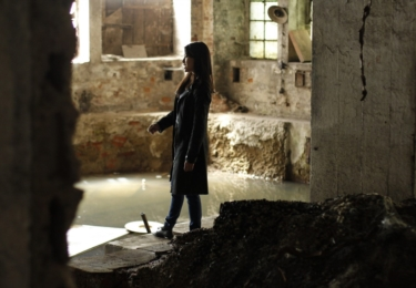 V kriminálce Miss Hanoi parťačku drsného detektiva v podání Davida Novotného hraje vietnamská herečka Ha Thanh Špetlíková. Foto Falcon