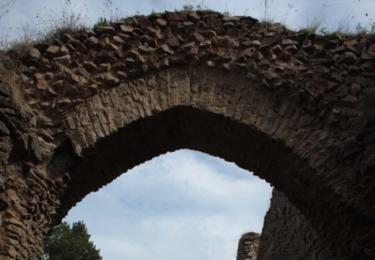 Zřícenina Vrškamýk, dříve letní sídlo králů / René Flášar