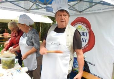 S tím, co se kdysi vařilo a jedlo v regionu, se mohli v sobotu 1. září zájemci seznámit na prostranství za penzionem U Hradilů, foto Ladislav Olejníček
