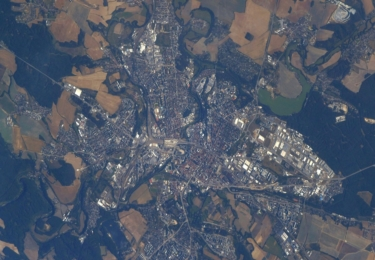 Plzeň z paluby Mezinárodní vesmírné stanice ISS v roce 2018, z výšky 400 km nad zemským povrchem, foto  Andrew Feustel/NASA