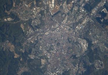 Brno z paluby Mezinárodní vesmírné stanice ISS v roce 2018, z výšky 400 km nad zemským povrchem, foto Andrew Feustel/NASA