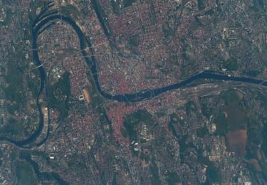 Praha z paluby Mezinárodní vesmírné stanice ISS v roce 2018, z výšky 400 km nad zemským povrchem, foto Andrew Feustel/NASA