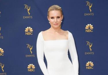 Ceny Emmy se odehrávaly 17. září v Microsoft Theater v Los Angeles, foto www.emmys.com / Facebook.  Na snímku Kristen Bell aka Veronica Mars