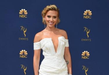 Ceny Emmy se odehrávaly 17. září v Microsoft Theater v Los Angeles, foto www.emmys.com / Facebook.  Scarlett Johansson