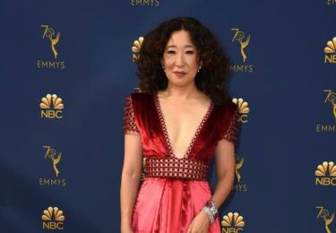 Ceny Emmy se odehrávaly 17. září v Microsoft Theater v Los Angeles, foto www.emmys.com / Facebook. Sandru Oh tu všichni znají z Chirurgů