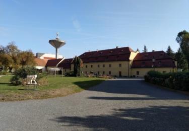 Zámek a muzeum v Roztokách