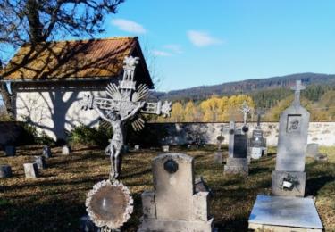 Hřbitov v Pěkné