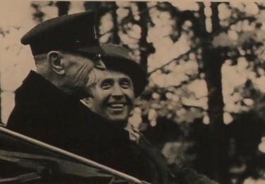 TGM se synem, Janem Masarykem. Foto Facebook Národního muzea, repro video