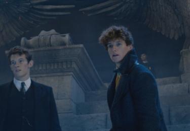 Mlok s bratrem Theseusem. Fantastická zvířata: Grindelwaldovy zločiny. Foto Warner Bros. Pictures