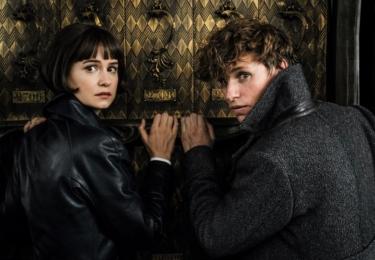 Tina a Mlok. Fantastická zvířata: Grindelwaldovy zločiny. Foto Warner Bros. Pictures