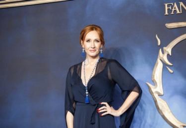 Fantastická zvířata, londýnská premiéra: J. K. Rowling, autorka knižní ságy i scenáristka filmové ságy. Zkrátka žádná troškařka. Foto Warner Bros, Facebook