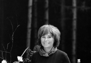 Ester Krumbachová. ČT / repro. Při natáčení filmu Jana Němce O slavnosti a hostech v roce 1966, fotografoval Karel Ješátko