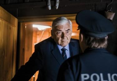 Z kin zpátky na televizní obrazovku se vrátí Miroslav Donutil ve filmu Doktor Martin – Záhada v Beskydech