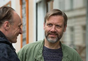 Adaptací literární předlohy jsou tři nové filmy podle detektivek Hany Proškové – Případ dvou sester, Případ dvou básníků a Případ dvou manželek s Viktorem Preissem a Davidem Matáskem v hlavních rolích.