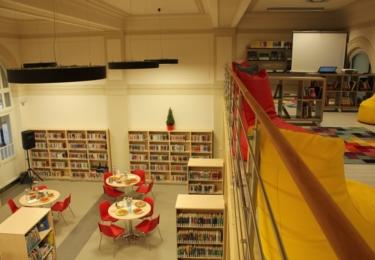Knihovní pobočka na nádraží bude v provozu každý všední den, během celého prosince zde bude registrace pro nové čtenáře zdarma, foto město Turnov