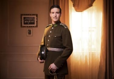 Vladimír Polívka v TV seriálu První republika, zde je snímek z II. série