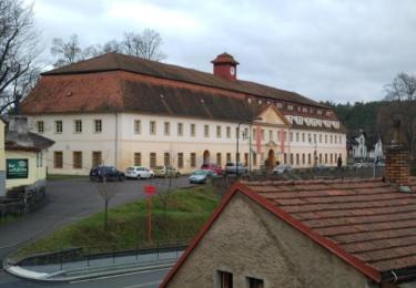 Bývalá továrna, dnes hotel