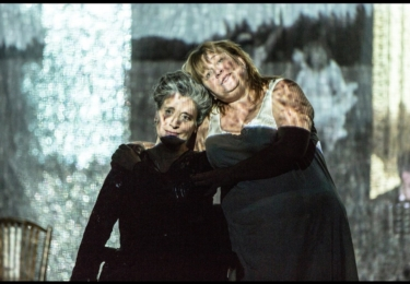 Ikonická role v Kočičí hře. Foto Facebook Klicperova divadla