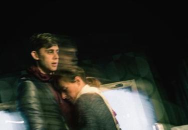 Vincent Navrátil s Táňou Vilhelmovou v představení Sleněný strop, které se hraje v Divadle Ungelt, foto Instagram